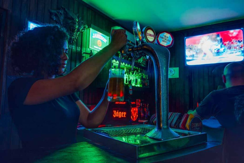 Commercial Sound System For Bars Restaurants Orlando FL In Control Tek | Security Cameras & Surveillance, Cabling & Networking, Audio & Video, Smart Home Automation